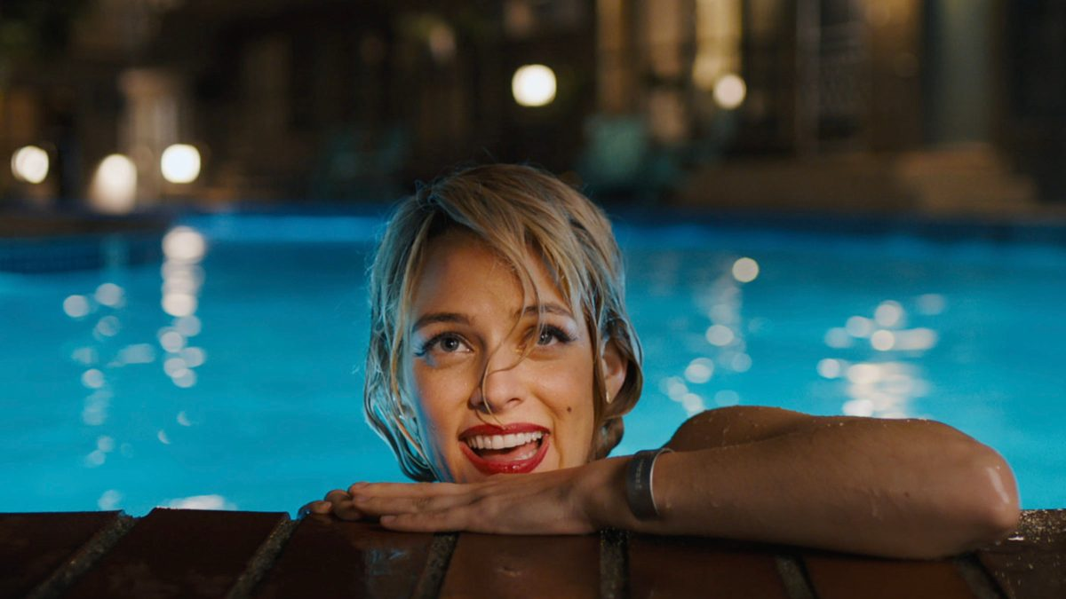 Novel, Graphic: A Review Of Under The Silver Lake