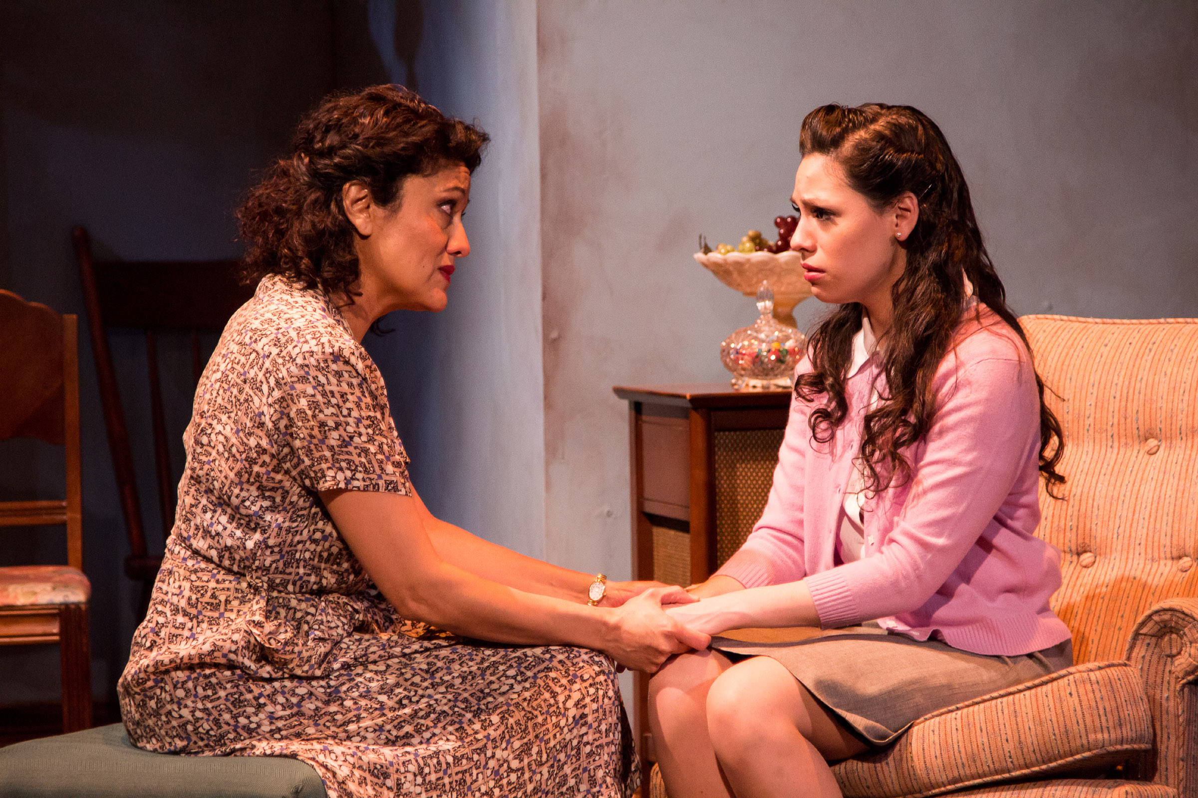 review a view from the bridge teatro vista newcity stage sandra marquez and ayssette munoz photo joel maisonet