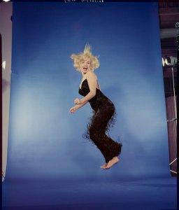 halsman_marilyn-monroe-jump-1959
