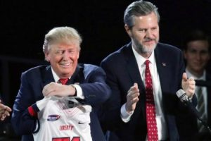 jerry-falwell-donald-trump-endorsement-525x350