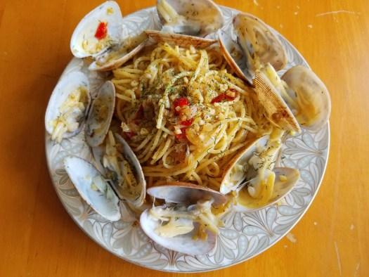 Spaghetti alle vongole recipe