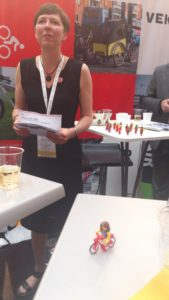 Marianne Wenreich from the Cycling Embassy of Denmark introduced the Battle of the Mayors - with my Lego lookalike....