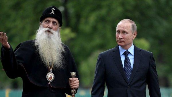 Рунет в шоке: Путин и голубь обменялись приветствиями ...
