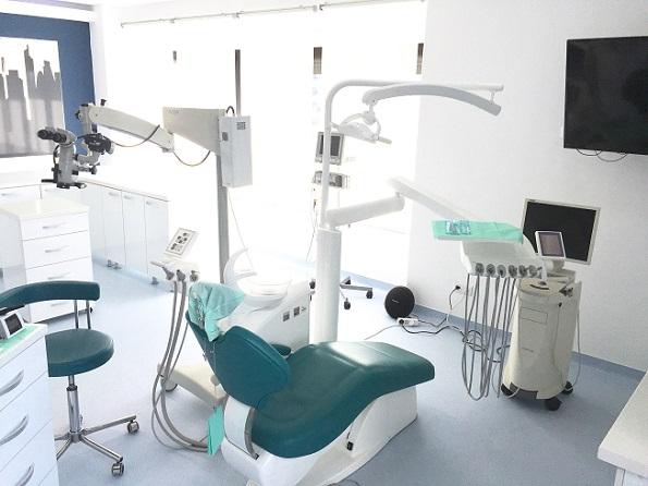 implant dentaire en Roumanie Clinique Bucarest
