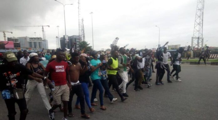Don't Block Highways, Police Warn Protesters