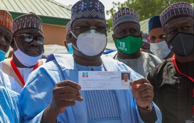 [PHOTOS] Lawan, Gbajabiamila Revalidate APC Membership