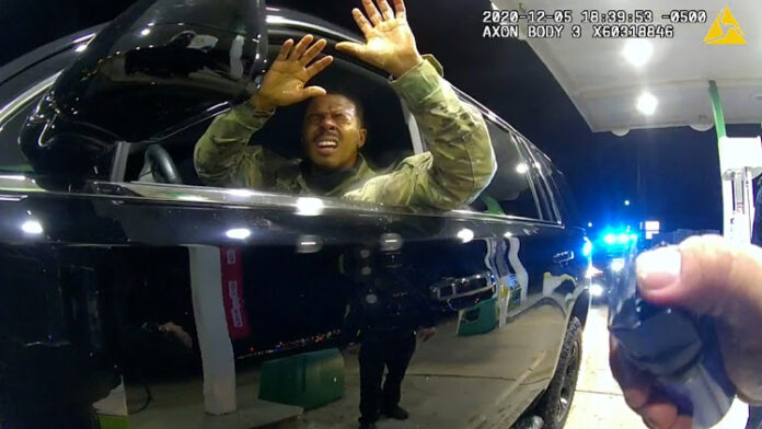 US Police Officer Accused of Assaulting Black Army Officer fFred