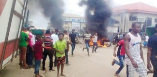 Angry Mob Set Ablaze 3 Suspected Motorcycle Thieves In Lagos