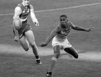 The superb skills of Gold Coast Suns midfielder Touk MIller.Photo: Jodie Newell