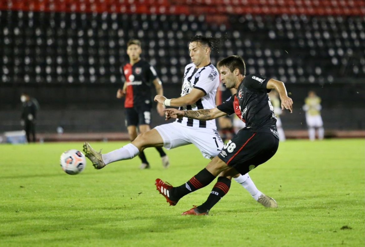 HIGHLIGHTS: Newell's Old Boys 1-3 Libertad