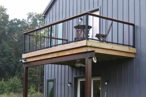 rustic-deck-steel-railing