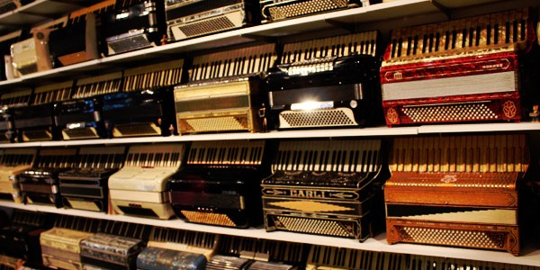 New-England-Accordion-Museum-Exhibit-Canaan-CT-16