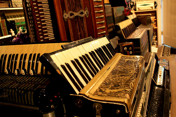New-England-Accordion-Museum-Exhibit-Canaan-CT-6