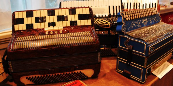 New-England-Accordion-Museum-Exhibit-Canaan-CT-AAA-accordion-convention-2014-display-classics-1