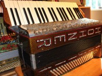 New-England-Accordion-Museum-Exhibit-Canaan-CT-hohner-WALTER-an-accordion-story-5