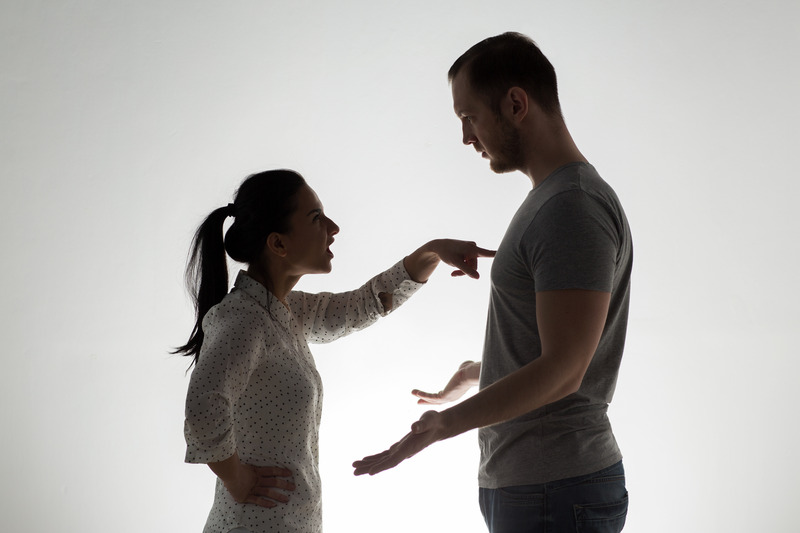 Silhouette of angry couple arguing. This image is meant to portray the benefit of attending a couples therapy retreat in Massachusetts or an EFT marriage intensive in Massachusetts.