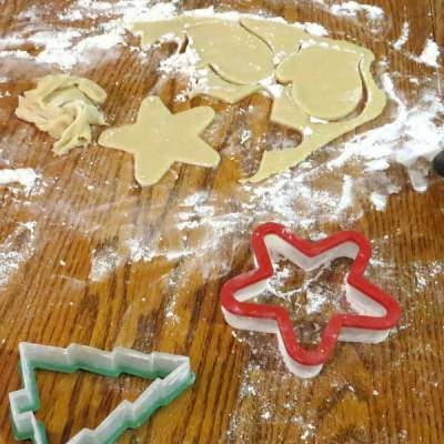 25 Christmas Traditions to Start This December