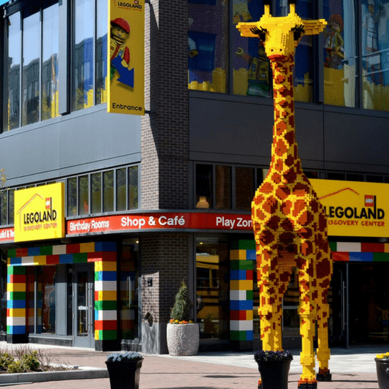 LEGOLAND Discovery Center in Boston is the perfect day trip for families with kids. 12 activities and attractions! Rediscover the fun of LEGO Bricks. #LEGO #DayTrip