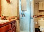 luxury-condo-belize-bathroom-770x386