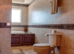 luxury-condo-belize-bathroom4-770x386