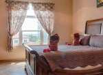 luxury-condo-belize-bedroom2-770x386