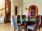 luxury-condo-belize-dining1-770x386