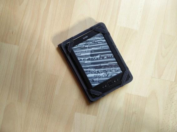 liseuse Kindle est l'amie idéale pour voyager léger en sac à dos