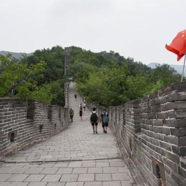 Sur la partie rénovée de la Grande Muraille de Mituanyu