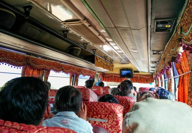 Le bus pour relier Phnom Penh à Siem Reap @neweyes