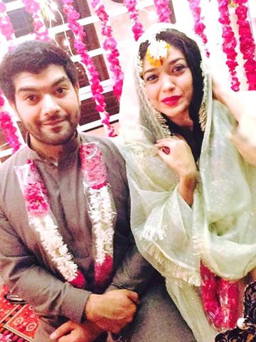 Pakistani Actress Sanam Jung Wedding Mehndi Pictures