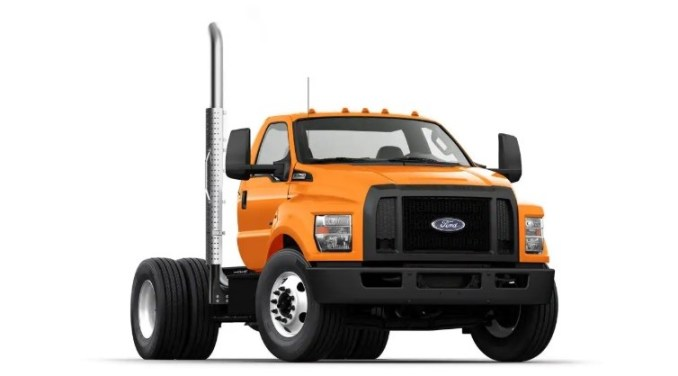 2020 Ford F750 Exterior