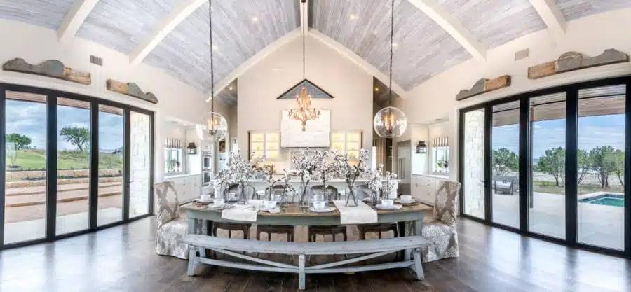 Top 5 Design Trends (hint: the Modern Farmhouse is #1) on Luxury Farmhouse Kitchen  id=89613