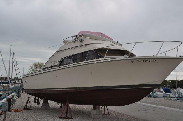 1985 Bertram 30 Flybridge Power Boat For Sale Www