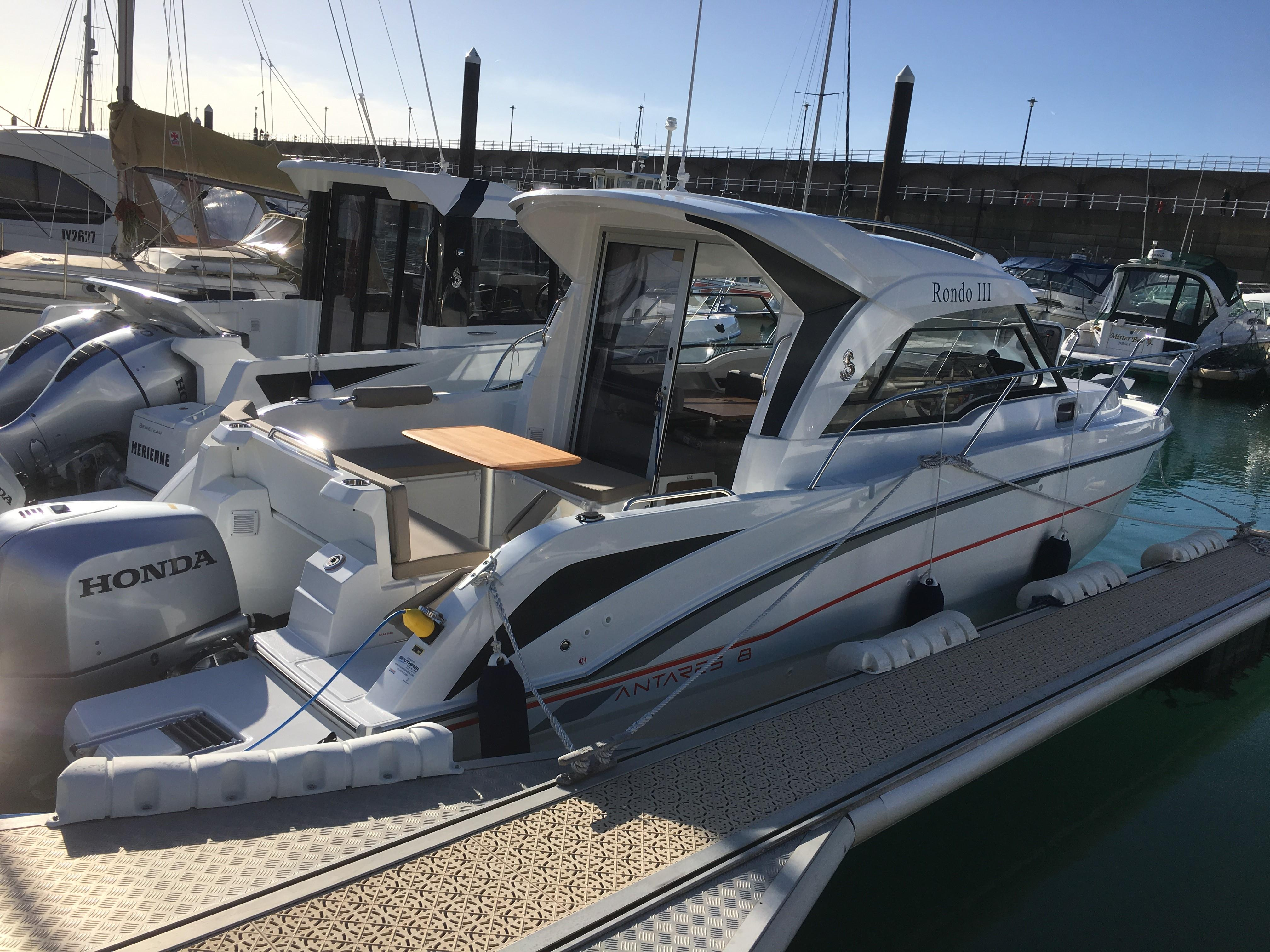 2017 Beneteau ANTARES 8 OB Power Boat For Sale Www