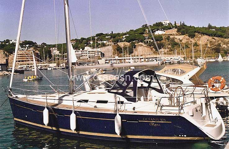 2005 Beneteau Oceanis Clipper 393 Power Boat For Sale