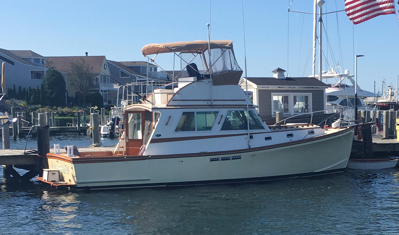 1993 Wilbur 34 Flybridge Cruiser Power Boat For Sale