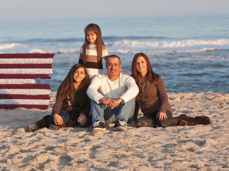 Joe Mangino and family