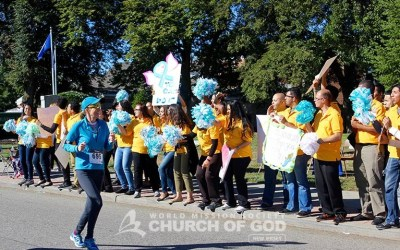 Volunteers Support the Mayor's 5K Run/Walk for Ovarian Cancer