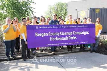 world mission society church of god, wmscog, church of god, church of god in new jersey, church of god in ridgewood, church of god in bogota, church of god in passaic, hackensack park, bergen county cleanup campaign, yellow shirt volunteers