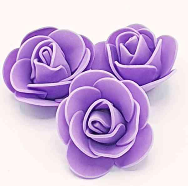 fleur embellissement mousse rose violette