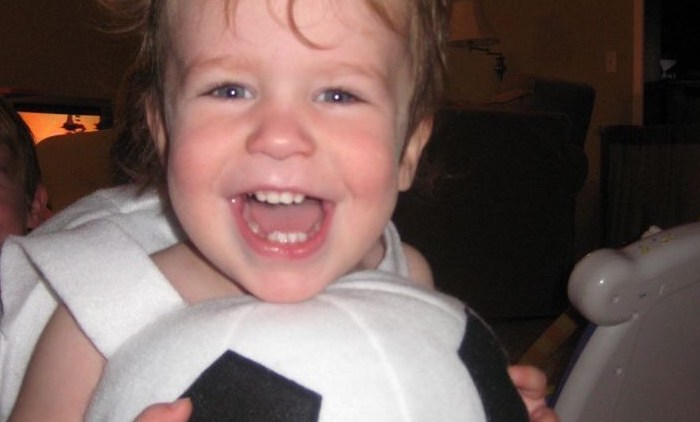 0歳からサッカーを学べる知育玩具「ドリシューゴー」