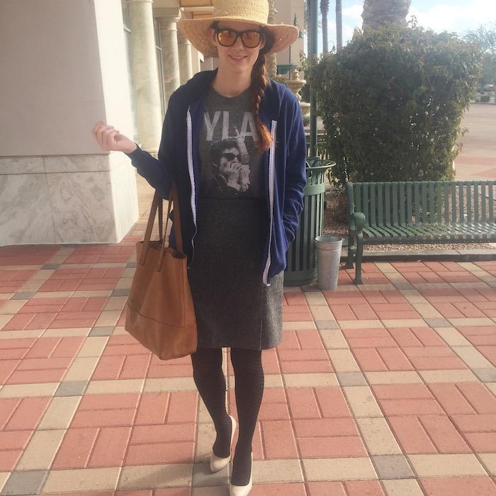 Summer Bellessa trägt eine Woche lang täglich die Klamotten, die ihr Sohn Rockwell ihr rauslegt. Wohlgemerkt: aus ihrem Kleiderschrank. (Foto: Summer Bellessa)