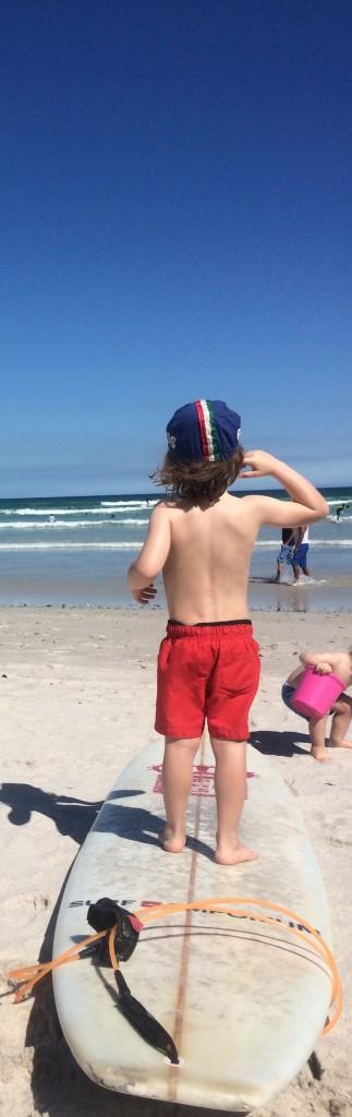 Mitch Buchannons Erben: Kid A und Kid B am Strand von Muizenberg