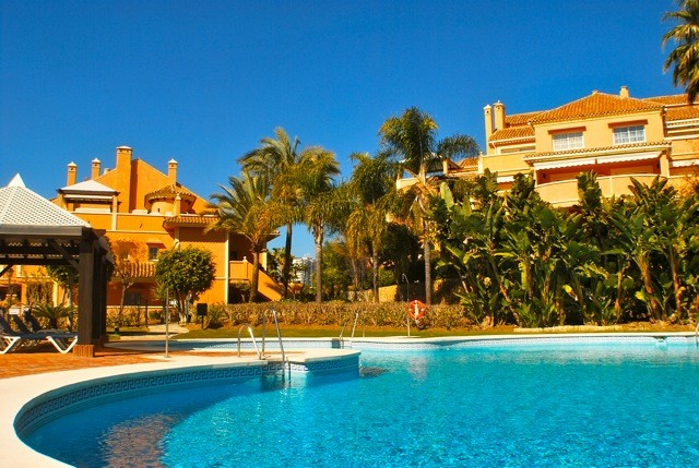 Andalucia Alta 4 bedrooms dúplex apartment with garden