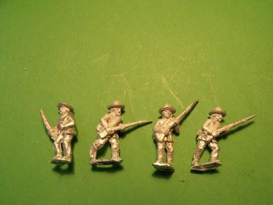Infantry in Slouch Hat, Sack Coat & Blanket Roll, Advancing