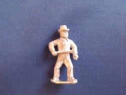 Gunner, Firing gun, Round hat, shirt