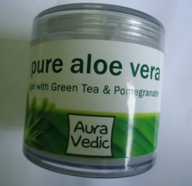 Auravedic Pure Lightening Skin Polish with Sandal Turmeric, Pure Aloe Vera Gel with Green Tea & Pomegranate Review