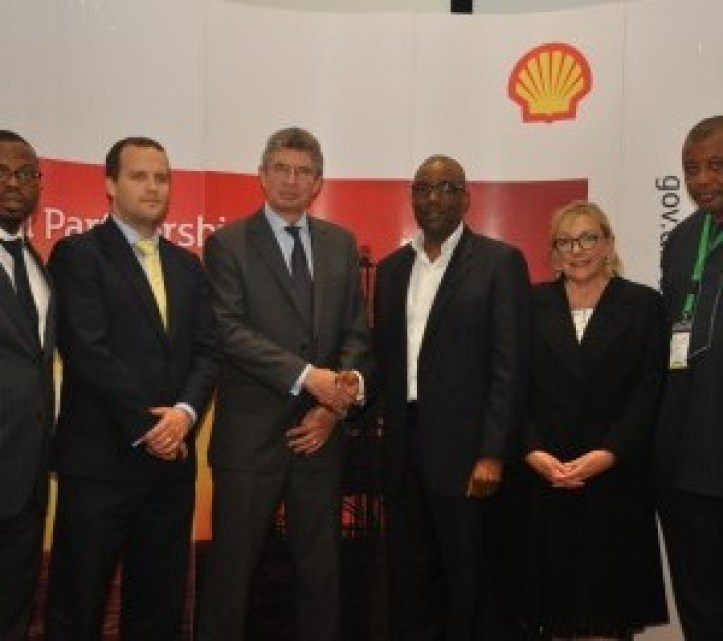 L-R: Head of Nigerian Content Development, Shell Nigeria Exploration and Production Company of Nigeria (SNEPCo) Austin Uzoka; Director, United Kingdom Trade & Industry, Chris Maskell; British Deputy High Commissioner, Ray Kyles; General Manager, Nigerian Content Development, Shell Nigeria, Chiedu Oba; UKTI Specialist, Sue Whitebread; Director Monitoring and Evaluation (NCDMB),Tunde Adelana…. at the just concluded Nigeria – UK Suppliers Engagement programme sponsored by SNEPCo and its Co-venturers