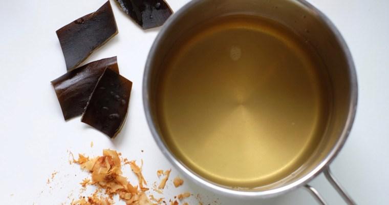 Japanese Stock (Dashi With Kombu & Bonito Flakes) – 3 ingredients
