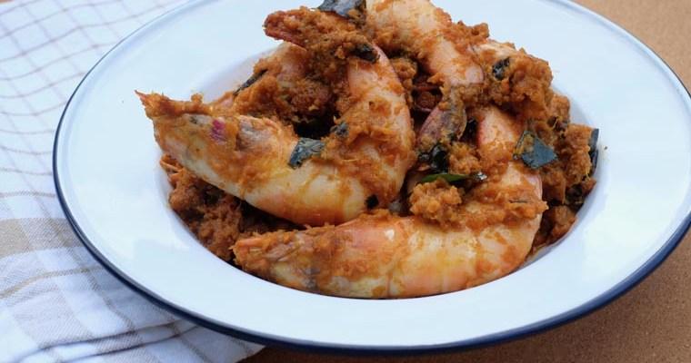 Easy Dry Prawn Curry (Prawn Paretal) – 7 Ingredients